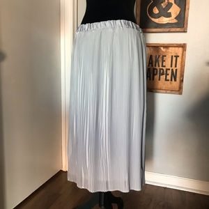 Adiva Anthropologie Pleated Grey White Midi Skirt